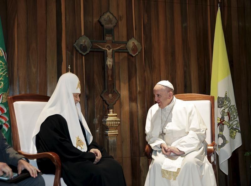 Papa e líder da igreja russa têm encontro histórico em Cuba