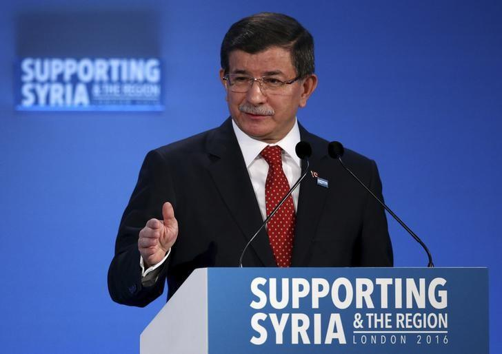 Turkish Prime Minister Ahmet Davutoglu speaks at the donors Conference for Syria in London, Britain February 4, 2016.  REUTERS/Dan Kitwood/pool/Files