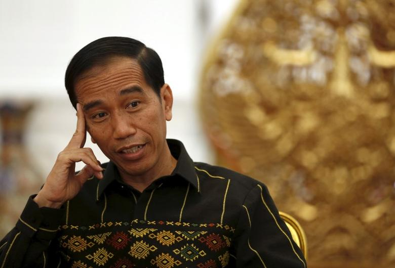 Indonesian President Joko Widodo speaks with Reuters during an interview at the presidential palace in Jakarta, Indonesia February 10, 2016. REUTERS/Darren Whiteside