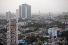 Imagen de archivo del hotel Habana Libre en La Habana, jul 1, 2015. El turismo continúa expandiéndose a un ritmo récord en Cuba, aunque se espera una desaceleración para este año y el Gobierno proyecta un crecimiento de cerca de un 6 por ciento luego de que se disparara un 17 por ciento en 2015.  REUTERS/Alexandre Meneghini