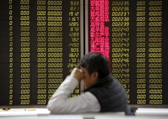 2月29日、FRBのエコノミストは中国の株式取引がより通常の水準に低下すれば今年の成長率を押し下げる可能性があるとの論文を公表した。写真は北京で2月15日撮影。(2016年 ロイター/Kim Kyung Hoon)