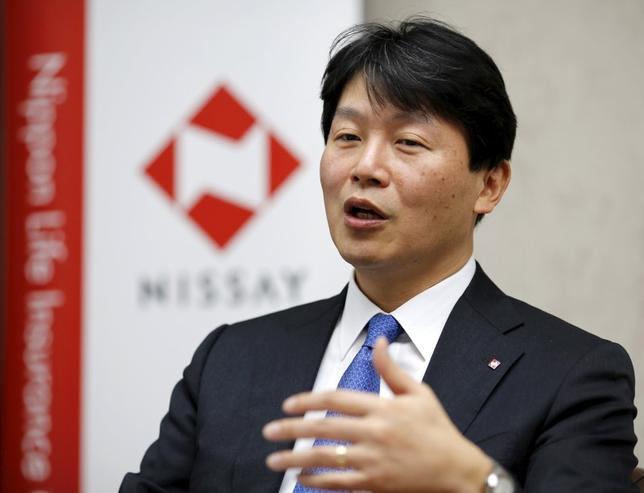 3月2日、日本生命保険の大関洋CIOは、マイナス金利で日本の長期国債利回りがマイナスを付ける中、今後はヘッジ外債への投資をより活発化させることになる、との考えを示した。(2016年 ロイター/Toru Hanai)