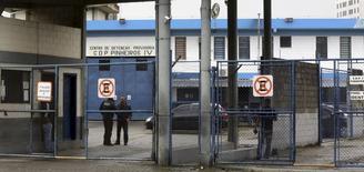 Entrada de prisão em Pinheiros, em São Paulo, onde executivo do Facebook ficou detido. 01/03/2016 REUTERS/Paulo Whitaker