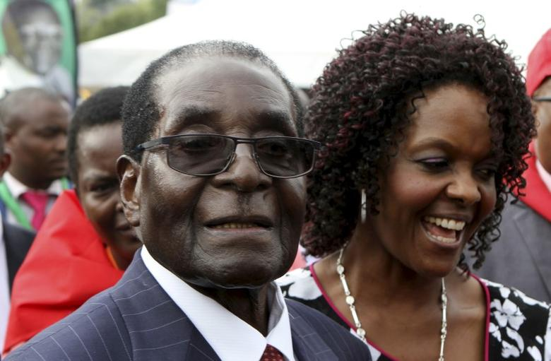 Zimbabwe's President Robert Mugabe and his wife Grace attend Mugabe's birthday celebrations at Great Zimbabwe in Masvingo, February 27, 2016. REUTERS/Philimon Bulawayo
