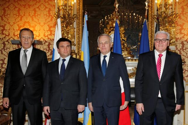 From L-R, Russian Foreign Minister Segei Lavrov, Ukraine's Foreign Minister Pavlo Klimkin, French Foreign Minister Jean-Marc Ayrault and German Foreign Minister Frank-Walter Steinmeier pose before a meeting to discuss the Ukraine crisis in Paris, France, March 3, 2016.    REUTERS/Jacky Naegelen