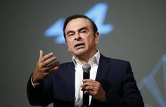 "Carlos Ghosn, Chairman and CEO of the Renault-Nissan Alliance, gestures as he speaks during the presentation of the Renault's new Alpine sports concept car ""Vision"" in Monaco February 16, 2016. REUTERS/Eric Gaillard"