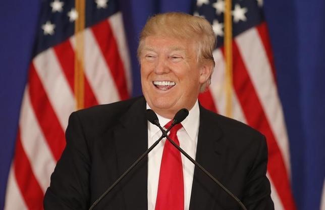 3月8日、共和党の大統領選候補者選びで同日行われたミシガン州予備選では、不動産王のドナルド・トランプ氏が勝利した。トランプ氏はこの日、ミシシッピ州予備選でも勝利した。写真はフロリダ州で撮影(2016年 ロイター/Joe Skipper)