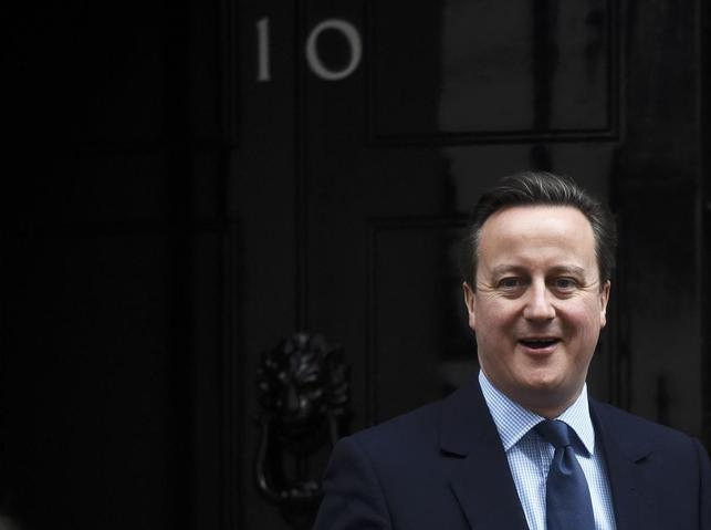 Britain's Prime Minister David Cameron leaves Number 10 Downing Street to attend Prime Minister's Questions at parliament in London, March 9, 2016. REUTERS/Toby Melville
