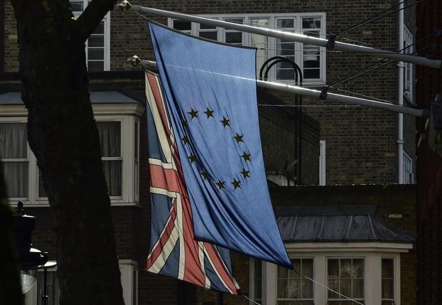 3月9日、英金融サービス部門のロビー団体である「ザ・シティUK」は、英国にとって、欧州連合(EU)加盟以外の選択肢は一段劣るものとなり、経済を破壊することはないが、ロンドン金融街の競争力を損なうリスクをはらむとの見通しを示した。写真はロンドンで2月撮影(2016年 ロイター/Toby Melville)