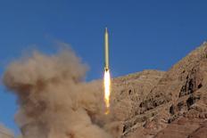 Запуск баллистической ракеты в Иране  9 марта 2016 года. Баллистическая программа Ирана не будет закрыта ни при каких условиях, а ракеты Тегерана готовы к запуску, сказал высокопоставленный командующий Корпуса стражей исламской революции в эфире государственного ТВ. REUTERS/Mahmood Hosseini/TIMA