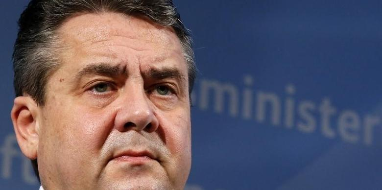 German Economy Minister Sigmar Gabriel addresses a news conference in Berlin, Germany, January 12, 2016. REUTERS/Fabrizio Bensch