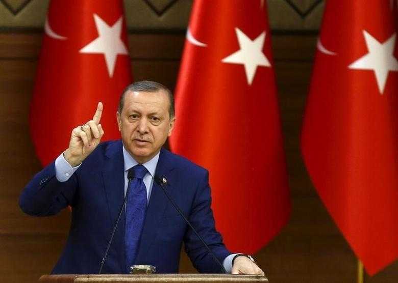 Turkish President Tayyip Erdogan makes a speech during his meeting with mukhtars at the Presidential Palace in Ankara, Turkey, March 16, 2016.  REUTERS/Umit Bektas
