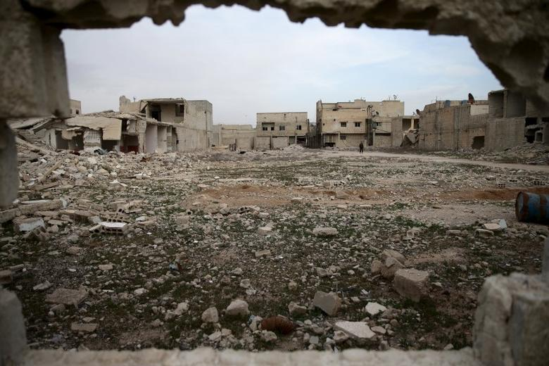 A general view shows damaged buildings in the rebel held besieged town of Douma, eastern Damascus suburb of Ghouta, Syria March 19, 2016. REUTERS/Bassam Khabieh