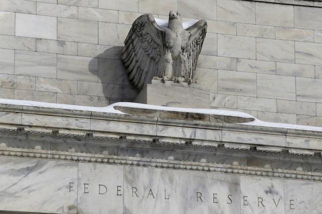 3月21日、ロックハート米アトランタ地区連銀総裁は早ければ4月に利上げを実施する可能性があるとの見解を示した。写真はワシントンのFRB建物。1月26日撮影。(2016年 ロイター/Jonathan Ernst)
