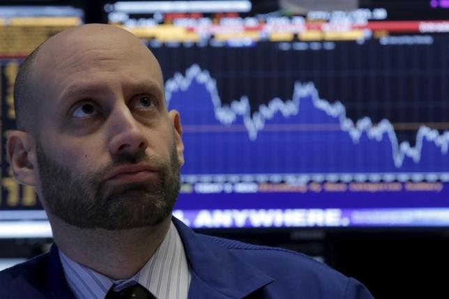 3月23日、米FRBは2008年の金融危機以降、資産価格の押し上げを望んだ。しかし、FRBと株式市場はそれよりもずっと深く、不健全な関係を築いてしまったようだ。NY証券取引所で2月撮影(2016年 ロイター/Brendan McDermid)
