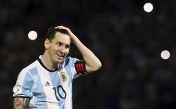 Lionel Messi em partida da seleção argentina contra a Bolívia nas eliminatória da Copa do Mundo. 29/03/2016 REUTERS/Enrique Marcarian