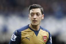 Ozil em jogo do Arsenal contra o Everton.  19/3/16.  Reuters/Carl Recine