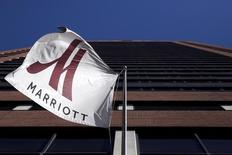 Marriott est l'une des valeurs à suivre vendredi sur les marchés américains. Le groupe chinois Anbang Insurance Group a renoncé à présenter une offre ferme pour acquérir Starwood Hotels, laissant la voie libre à Marriott pour prendre le contrôle du propriétaire des chaînes Sheraton et Westin.  /Photo d'archives/REUTERS/Andrew Kelly