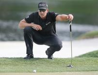Henrik Stenson of Sweden lines up his putt on the 17th hole following the final round of the Arnold Palmer Invitational presented by Master Card at Bay Hill Club and Lodge . Mandatory Credit: Reinhold Matay-USA TODAY Sports