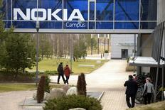 La sede de Nokia en Espoo, Finlandia. 6 de abril de 2016. La empresa finlandesa Nokia lanzó el miércoles un programa de recorte de empleos tras la compra del grupo francés Alcatel-Lucent, aunque no especificó cuántos trabajadores prevé despedir. REUTERS/Antti Aimo-Koivisto/Lehtikuva   SOLO PARA USO EDITORIAL