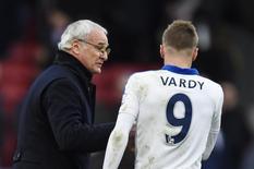 Técnico do Leicester, Claudio Ranieri, e atacante do time Jamie Vardy. 19/03/2016 Reuters / Dylan Martinez