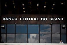 La sede del Banco Central de Brasil en Brasilia, ene 15, 2014. Los bancos en Brasil verán un aumento de los acuerdos de refinanciamiento de créditos corporativos durante este año, dijo el Banco Central el jueves en un reporte, ya que el impacto de la peor recesión en un siglo y la crisis política afectaron la capacidad de las empresas de cumplir con el pago de sus deudas.