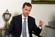 Башар Асад дает интервью испанской газете El Pais in Damascus Перед мирными переговорами о Сирии, которые возобновятся на следующей неделе, президент Башар Асад, пользующийся военной поддержкой России и Ирана, не показывает желания пойти на компромисс, а тем более - уйти в отставку и открыть дорогу к переходному периоду, который, как говорят западные государства, является решением конфликта. REUTERS/SANA/Handout via Reuters