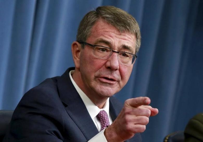 U.S. Defense Secretary Ash Carter gestures at a news conference at the Pentagon in Washington February 29, 2016. REUTERS/Yuri Gripas