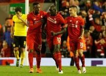 Jogadores do Liverpool comemoram em jogo contra o Borussia Dortmund.  14/4/16. Reuters/Carl Recine