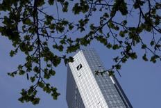The head quarters of Germany's largest business bank Deutsche Bank AG is pictured on a sunny day in Frankfurt, Germany, April 14, 2016. REUTERS/Kai Pfaffenbach
