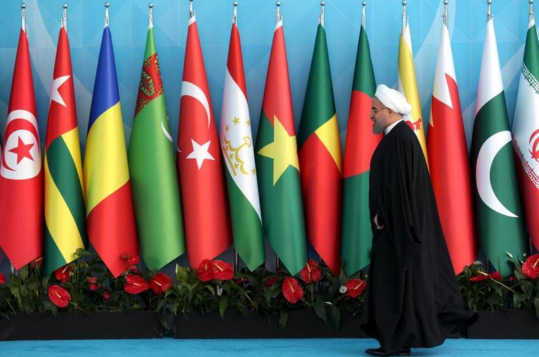 Iranian President Hassan Rouhani arrives the Organisation of Islamic Cooperation (OIC) Istanbul Summit in Istanbul, Turkey April 14, 2016. REUTERS/Arif Hudaverdi Yaman/Pool