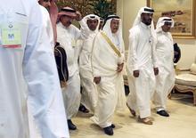 El ministro de Petróleo de Arabia Saudita, Ali al-Naimi, llega a una reunión de países productores en Doha. 17 de abril de 2016. Productores pertenecientes y ajenos a la OPEP fracasaron el domingo en alcanzar un acuerdo para congelar la producción de petróleo, después de que Arabia Saudita exigió que Irán se uniera. REUTERS/Ibraheem Al Omari