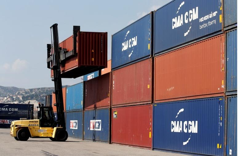 cma cgm cosco to form four way shipping alliance reuters. Black Bedroom Furniture Sets. Home Design Ideas