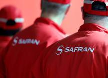 Safran a entamé son désengagement de la sécurité avec la cession de sa filiale américaine Morpho Detection et d'autres activités de détection à Smiths Group pour une valeur d'entreprise de 710 millions de dollars (630 millions d'euros). /Photo prise le 16 avril 2016/REUTERS/Régis Duvignau