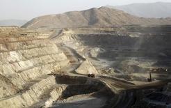 Рудник компании Bisha Mining Share Company, на котором добываются золото, медь и цинк, к северо-западу от столицы Эритреи Асмэры. 17 февраля 2016 года. Недавний рост цен на сырьевые товары не поддерживается фундаментальными факторами на физических рынках, сообщил инвестбанк Goldman Sachs, добавив, что есть риск падения цен на нефть в ближайшем будущем. REUTERS/Thomas Mukoya