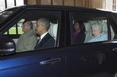 Príncipe Philip conduz carro com Obama, Michelle e a rainha Elizabeth.  22/4/2016. REUTERS/Geoff Pugh/Divulgação
