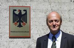 Глава немецкой разведслужбы BND Герхард Шиндлер в Бад Айблинге под Мюнхеном 6 июня 2014 года. REUTERS/Michaela Rehle
