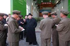 Líder norte-coreano, Kim Jong Un, em foto divulgada pela agência de notícias estatal da Coreia do Norte.   23/04/2016      KCNA/via REUTERS