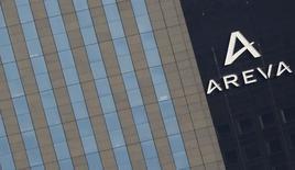 Areva annonce un chiffre d'affaires trimestriel en baisse de 0,8%, en raison notamment du calendrier de livraisons d'uranium moins favorable qu'au premier trimestre 2015, mais une forte hausse de ses prises de commandes. /Photo prise le 8 mars 2016/REUTERS/Christian Hartmann