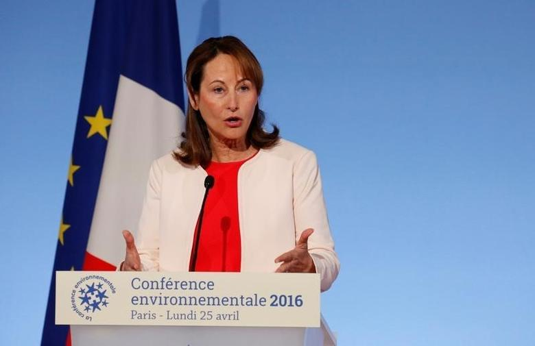 French Minister of Ecology, Sustainable Development and Energy Segolene Royal delivers a speech to open the annual environmental conference at the Elysee Palace in Paris, France, April 25, 2016. REUTERS/Jacky Naegelen