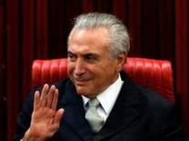 El presidente interino de Brasil Michel Temer, en una foto de archivo del 12 de mayo tomada en Brasilia durante la juramentación de Gilmar Mendes como nuevo presidente del máximo tribunal electoral. REUTERS/Paulo Whitaker