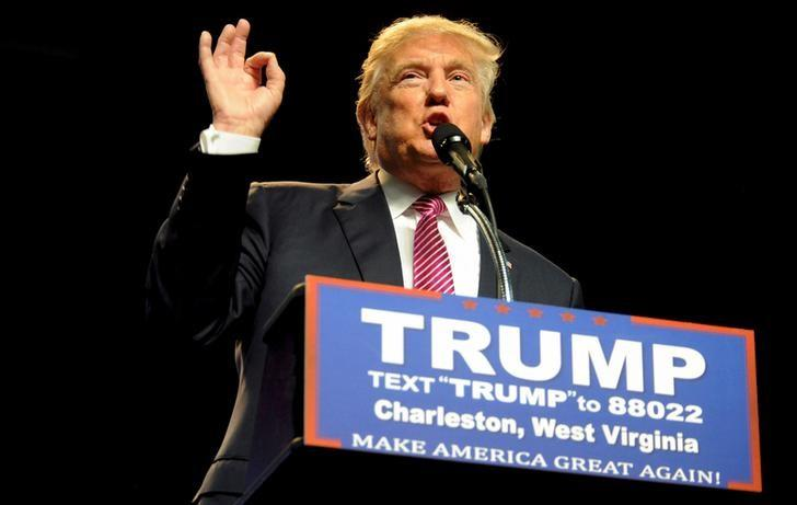Republican U.S. presidential candidate Donald Trump speaks to supporters in Charleston, West Virginia, U.S. May 5, 2016.  REUTERS/Chris Tilley/File Photo