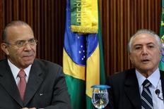 Padilha e Temer durante reunião no Palácio do Planalto. 13/5/2016. REUTERS/Ueslei Marcelino