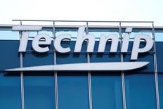 Le français Technip et l'américain FMC Technologies ont annoncé un projet de fusion par apport de titres visant à créer un nouveau spécialiste des équipements pétroliers et gaziers d'une capitalisation boursière proche de 13 milliards de dollars (11,6 milliards d'euros). /Photo prise le 25 février 2016/REUTERS/Charles Platiau