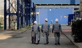 La proportion de dirigeants de PME et ETI (entreprises de taille intermédiaire) se déclarant confiants dans les perspectives à six mois de l'économie a progressé de sept points  en mai par rapport à avril pour s'établir à 39%. /Photo d'archives/REUTERS