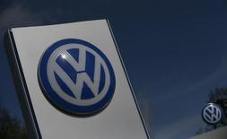 A Volkswagen logo is pictured at Volkswagen's headquarters in Wolfsburg, Germany, April 22, 2016.     REUTERS/Hannibal Hanschke