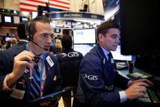 La Bourse de New York a fini mercredi sans changement, l'indice Dow Jones gagnant 0,01%, le S&P-500 0,11% et le Nasdaq Composite 0,08%. /Photo prise le 1er juin 2016/REUTERS/Lucas Jackson