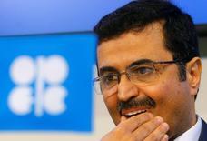 Los mercados petroleros globales se dirigen a un nuevo equilibrio, dijo el viernes el ministro de Energía de Qatar, un día después de que la OPEP no lograra acordar una estrategia clara para la producción de crudo durante una reunión en Viena. En la foto,, el ministro qatarí, Mohammed al-Sada, en una ruieda de prensa en Viena  el 2 de junio de 2016. REUTERS/Heinz-Peter Bader