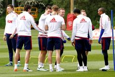 Britain Football Soccer - Manchester United Training - FA Cup Final Preview - Manchester United Training Ground - 19/5/16 Manchester United's Phil Jones, Matteo Darmian, Ander Herrera, Luke Shaw, Wayne Rooney, Memphis Depay and Ashley Young during training Action Images via Reuters / Craig Brough Livepic