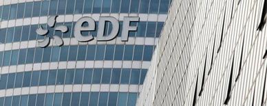 EDF, à suivre mercredi à la Bourse de Paris. Fitch Ratings a abaissé la note d'émetteur long terme du groupe de A à A- en raison principalement de la baisse des prix de l'électricité. /Photo prise le 21 juin 2016/REUTERS/Gonzalo Fuentes